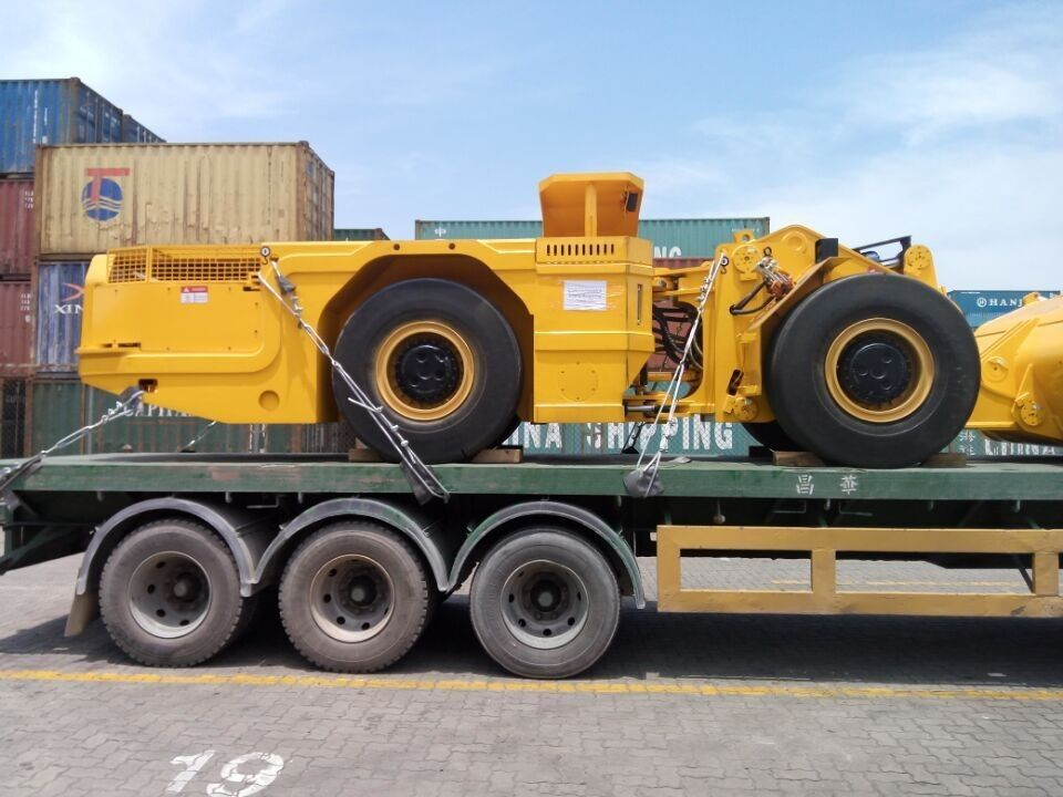 CE Certificate Load Haul Dump Machine For Large Scale Rock Excavation